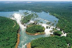 Cresce visita de estrangeiros e brasileiros no Parque Nacional do Iguaçu